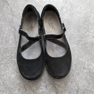 Vionic Judith strappy black suede flats with Orthaheel technology